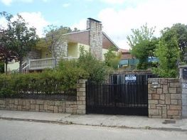 House for sale in calle Madrid El Encinar del Alberche, Villa del Prado - 197851738