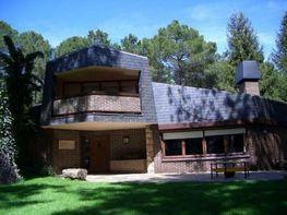 Casa en venta en Navas del Marqués (Las) - 359460229