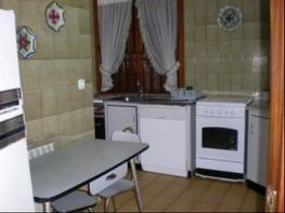 Pavillon de vente à Loredo - 6343840