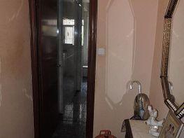 Pisos con 3 habitaciones o m s en cornell de llobregat for Bano ocupado en ingles