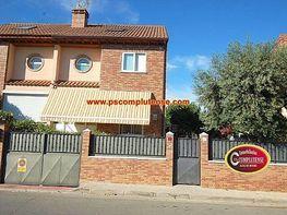Chalet en venta en calle Jacinto Benavente, Alovera