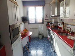 Foto 1 - Piso en venta en calle Lakuaburua, Lakua-Arriaga en Vitoria-Gasteiz - 393477538