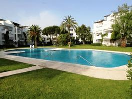 Casa adosada en venta en urbanización Costalita, Estepona Este en Estepona