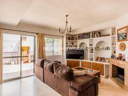 Casa adosada en venta en urbanización Bello Horizonte, Río Real en Marbella