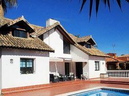 Villa en venta en urbanización Saladillo Benamara, Estepona Este en Estepona