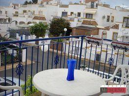 Balcón - Bungalow en venta en calle Los Lirios, Torrelamata - La Mata en Torrevieja - 285277315