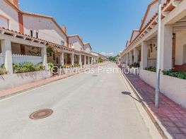 Casa adosada en alquiler en calle Del Ferrocarril, Torredembarra