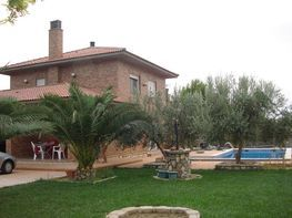 Chalet for sale in Alfajarín - 226653085
