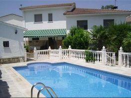 Villa in verkauf in Chapinería - 390329738