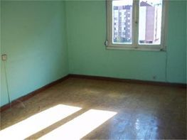 Flat for sale in calle Torrelavega, Tenderina in Oviedo - 118845898