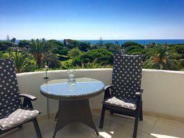Vistas desde el balcón - Apartamento en alquiler de temporada en Elviria en Marbella - 328202952
