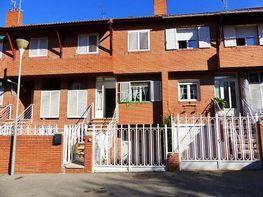 Maison jumelle de vente à Guadalajara - 384821844