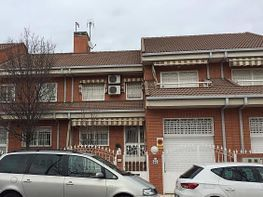 Freistehendes haus in verkauf in calle Mariano Fortuny, San Ramon in Parla - 255656321