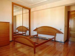 Dormitorio - Piso en venta en calle Rico Home, Casco Histórico en Alcalá de Henares - 411621939