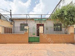 Casa en venta en calle De la Sierra, Genil en Granada - 198046186