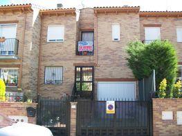 Fachada - Chalet en venta en calle Igualdad, Los Villares en Arganda del Rey - 77767690