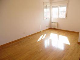 Wohnung in miete in calle De Los Rosales, San Fermín in Madrid - 410626039