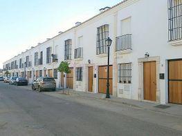 Casa adosada en venta en calle Dulce Chacon, Gerena - 291733218