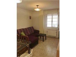 Bajo en alquiler en calle Pablo Cassal, Alcalá de Henares - 416268392