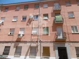 Piso en venta en calle Marques de Leis, Tetuán en Madrid - 297840957