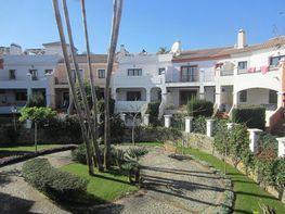 Fachada - Casa adosada en venta en calle Del Priorato, Estepona - 295692003