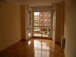 Pis en venda Sanchinarro a Madrid - 279543260