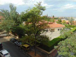 Piso en venta en calle La Chana, Chana en Granada