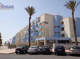 Foto - Piso en alquiler en urbanización , Roquetas de Mar - 397590700