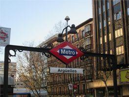 Piso en venta en calle De la Princesa, Argüelles en Madrid