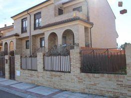 Fachada - Casa pareada en venta en calle Córdoba, Villaluenga - 172894456