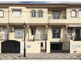 Casa adosada en venta en calle Azahar, Cúllar Vega - 365035942