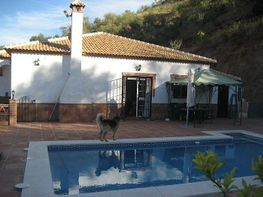 Casa en venda calle , Colmenar - 289838555