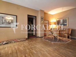 Piso en venta en calle Floridablanca, Sant Antoni en Barcelona - 388464429