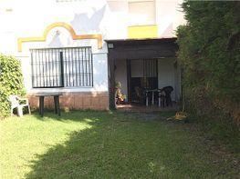 Casa adosada en alquiler en Chiclana de la Frontera - 330689661