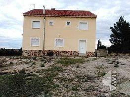 Casa adosada en venta en calle Santander, Colmenar de Oreja