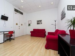 Apartment in teile in calle Covarrubias, Trafalgar in Madrid - 389965636