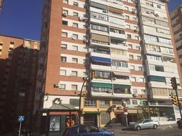 Fachada - Piso en venta en calle Clarines, Parque Victoria Eugenia en Málaga - 306502754