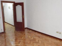 Piso en alquiler en calle De José Arcones Gil, Pueblo Nuevo en Madrid