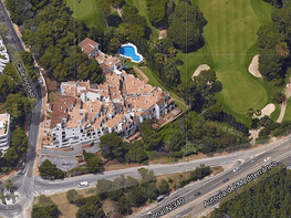 Apartamento en alquiler en urbanización Rio Real, Río Real en Marbella