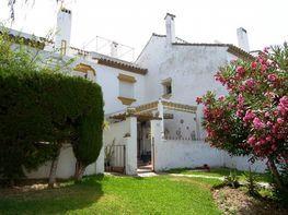 Casa adosada en venta en Los Pacos en Fuengirola