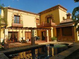 Villa en venta en urbanización la sierrezuela en Mijas