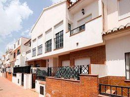 Casa adosada en venta en calle Centro, Gójar
