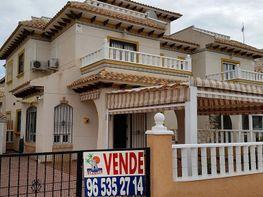 Casa adosada en venta en calle Cantábrico, Orihuela - 362781200