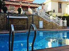 Villa en alquiler en Alhaurín de la Torre - 336277385