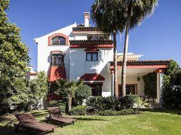 Chalet en venta en urbanización Altos de Puente Romano, Lomas de Marbella Club-P