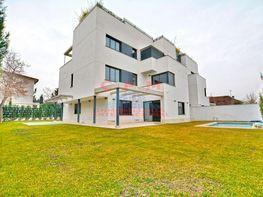 Casa adosada en alquiler en Ciudad Universitaria en Madrid - 408866274