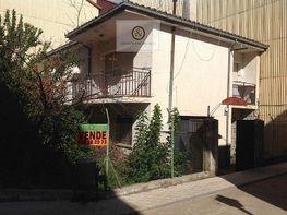 Fachada del inmueble. - Casa en venta en calle Narciso Vallejo Najera, Candeleda - 339206861
