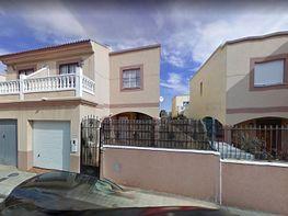 Casa adosada en venta en calle Madrid de Entidad Bancaria, Níjar
