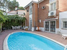 Flat for sale in calle Almarza, Canillas in Madrid - 415462778