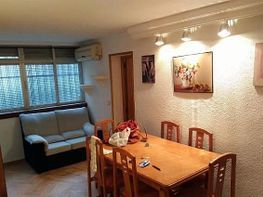 Flat for rent in calle De Hellin, Canillejas in Madrid - 389074407